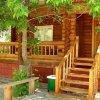 Деревянный коттедж из бруса для отдыха и постоянного проживания