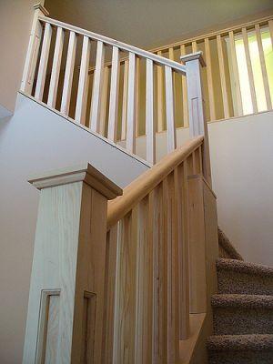 Укрепление поручня лестницы