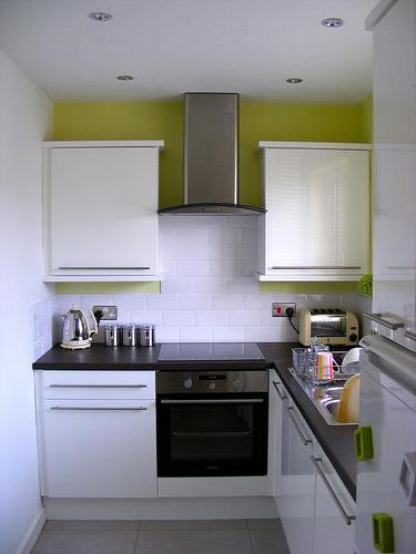 Как выбрать кухонный стол для интерьера кухни