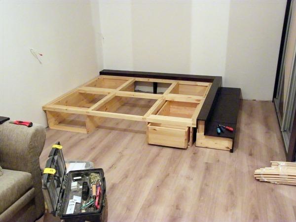 Как сделать кровать в подиуме своими руками видео
