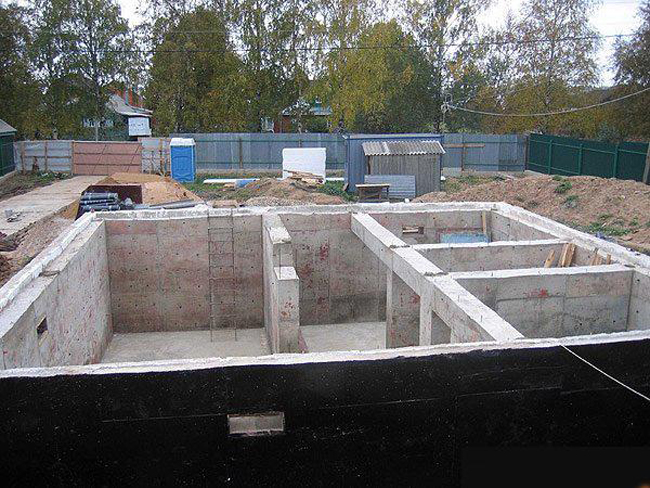 Фундамент под жилой дом 195
