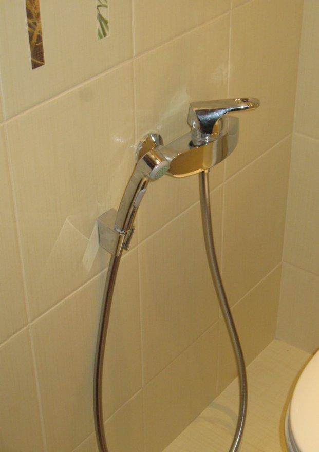 Жена подмывается в ванной фото 49-797